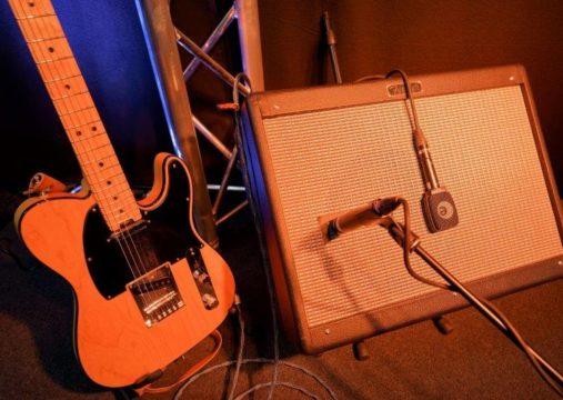 Tonaufnahme.ch - Instrumente - el. Guitar Amp - Gitarrren-Amp - El.Git.Amp.-Mikrofon-Auswahl Sennheiser e906, Shure SM57, Sennheiser MD421-II, Shure SM7B, SE Electronics VR1 Voodoo - welches Mikrofon passt?