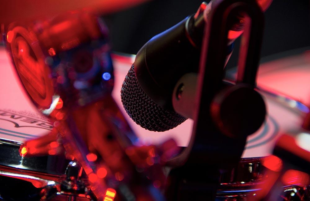 Tonaufnahme.ch - excellent live sound - Live-Beschallung - Schlagzeug Aufnahme